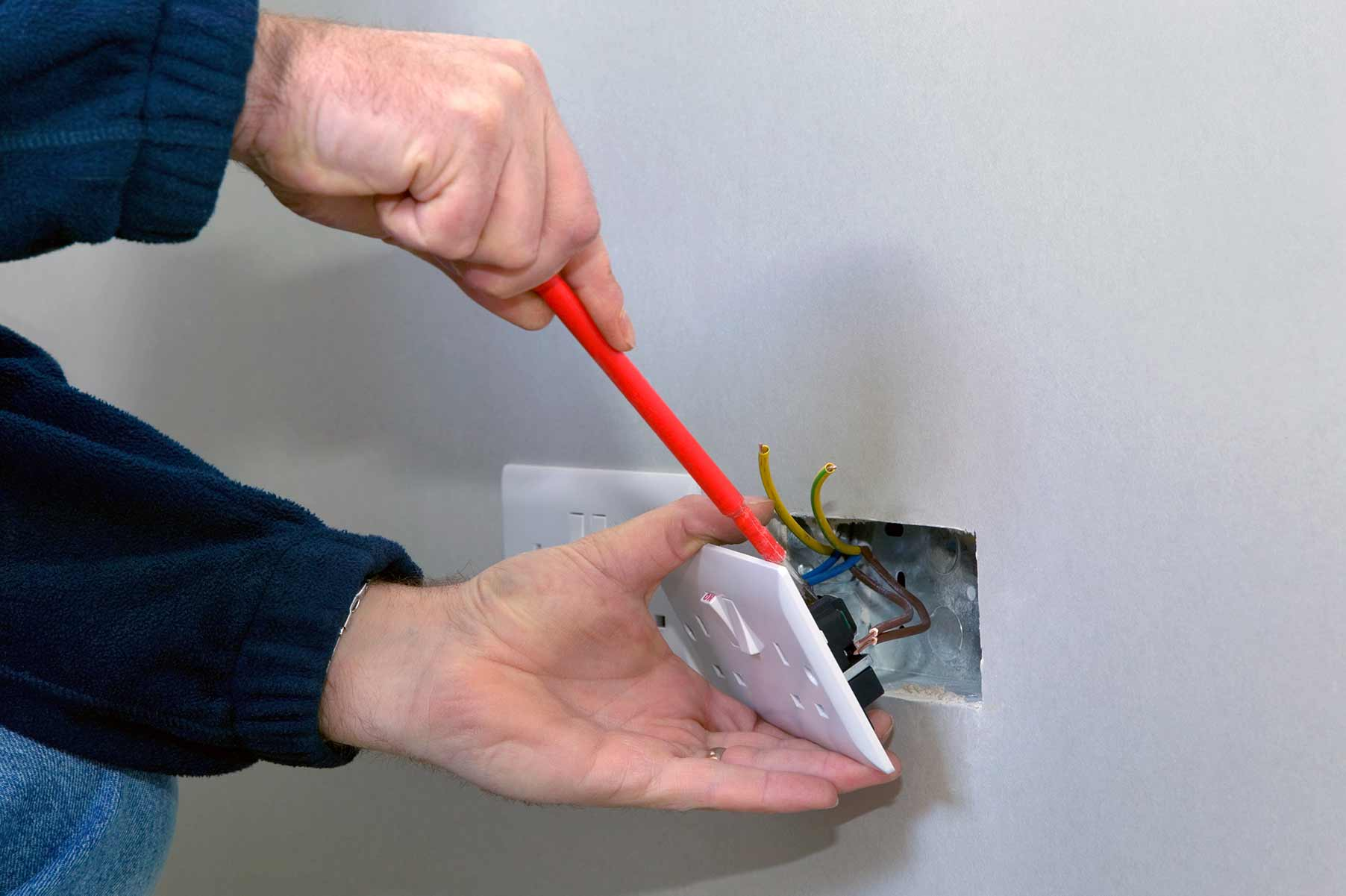 Our electricians can install plug sockets for domestic and commercial proeprties in Hinckley and the local area.